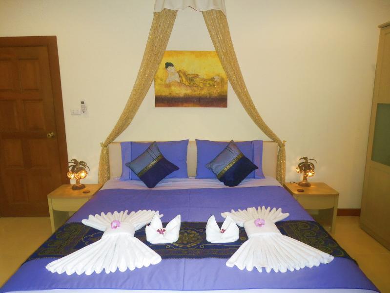 PHI PHI DON MASTER BEDROOM WITH EN-SUITE BATHROOM