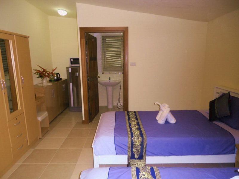 BEDROOM 4 WITH KTCHENETTE & EN-SUITE