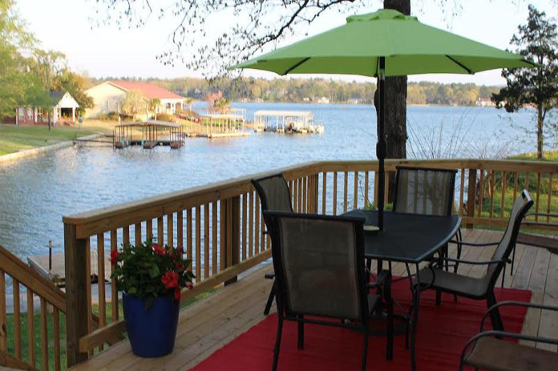 Deck overlooking Lake Hamilton