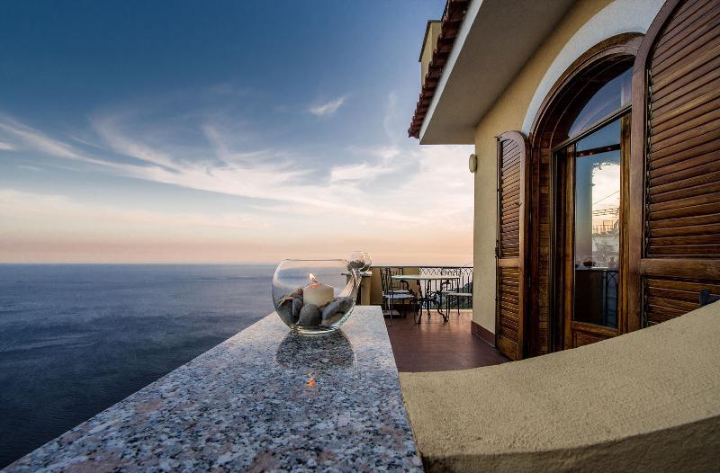 Villa Il Mignale, Furore, Amalfi Coast, vacation rental in Fiordo di Furore