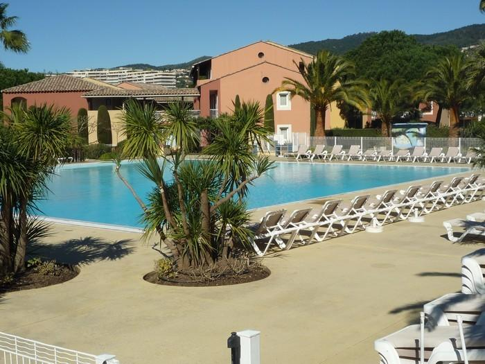400 M² pool open from 15 April to 15 October