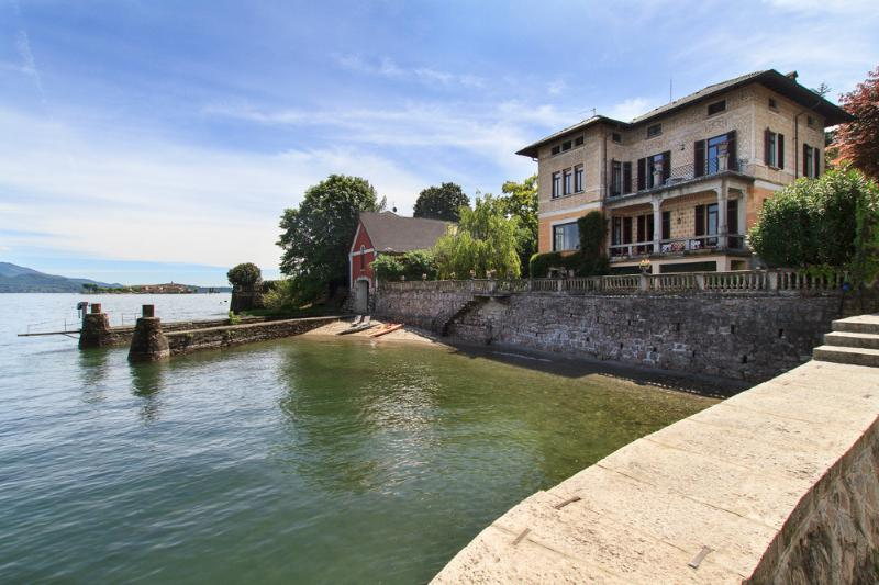 Villa Beatrice - elegancia y estilo en una villa frente al mar situada a corta distancia del pueblo de Baveno