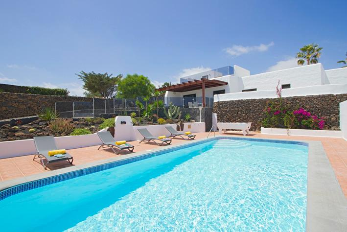 Villa Mirador Mojones in Puerto Del Carmen, holiday rental in Tias