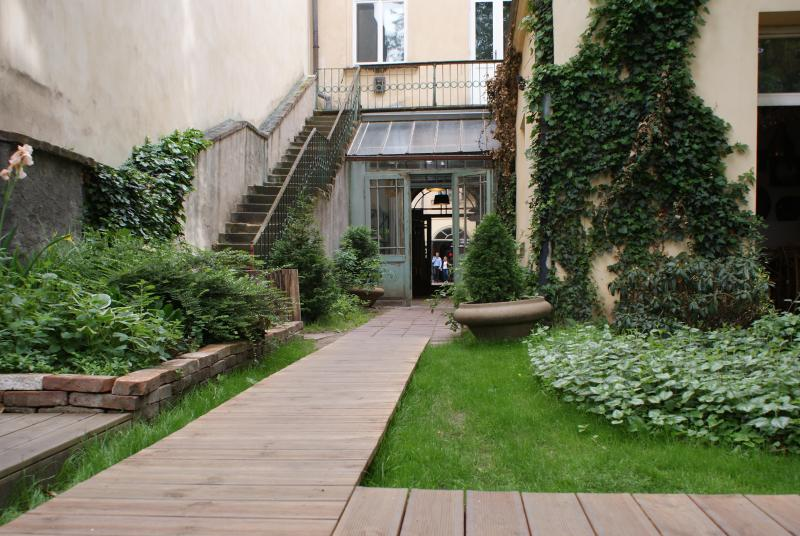 Family apartment right in the centre of Prague in old baroque house with great atmosphere.