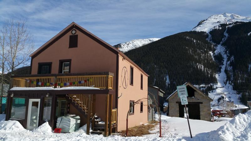 Highly-Rated -Adventure-themed - Hot Tub & More!, vacation rental in Silverton