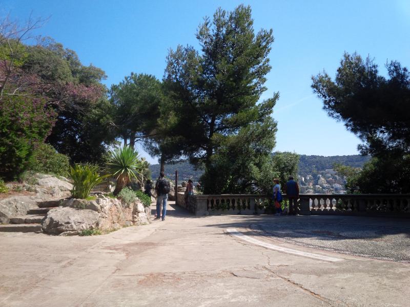 Os jardins do castelo velho - um lindo lugar para um piquenique ou um passeio de domingo