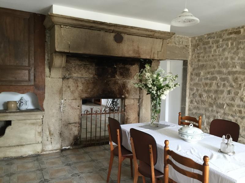 kitchen with large chimney