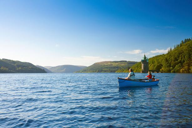 Watersports, fishing & circular cycling route at Lake Vyrnwy