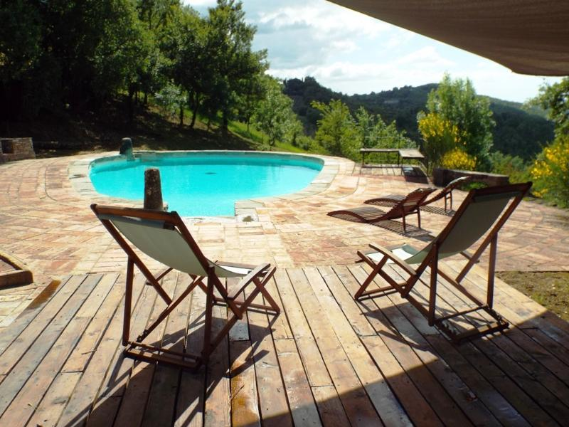 Il Nascondiglio - Studio apartment in Tuscan Farmhouse with Pool, casa vacanza a Casole d'Elsa