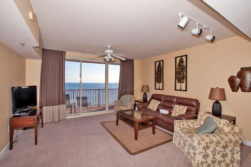 Entrance into Gulf View Condo w/ Large Living Area