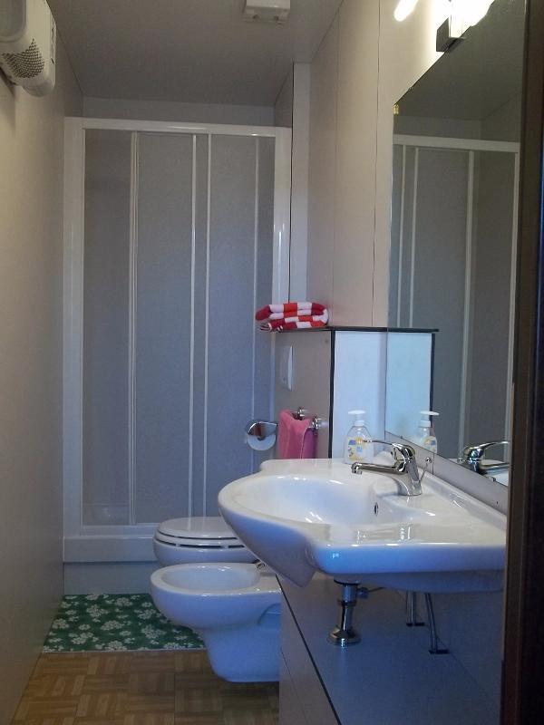 Room Azzurra Bathroom