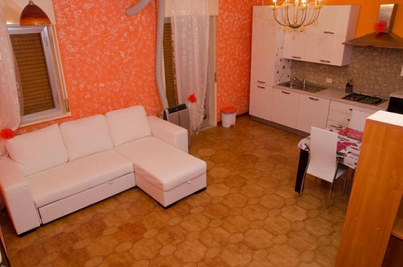 Casa di Gloria, holiday rental in Campofelice di Roccella