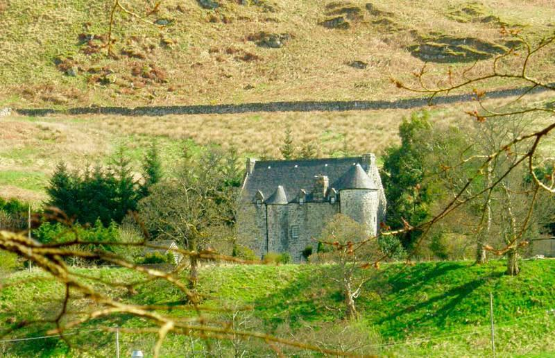 16th Century Kilmartin Castle | Luxury Bed & Breakfast | Available Exclusively, location de vacances à Ardrishaig