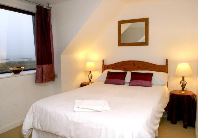 Confortevole camera doppia con bagno privato e spettacolare vista sul mare