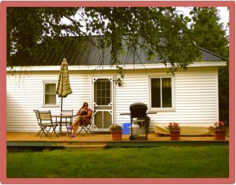 Cottages with one bedroom two Queen size beds sleep four Private deck, barbecue and patio furniture.