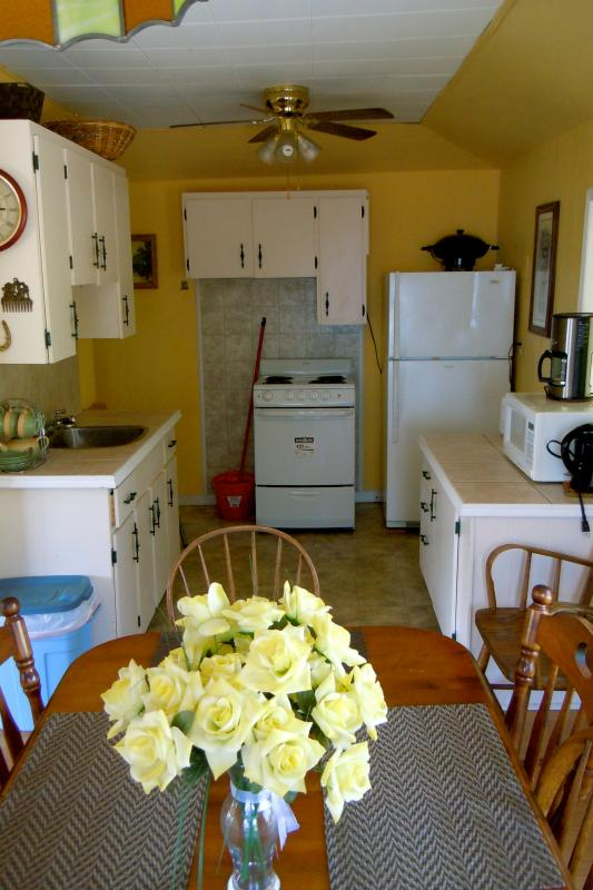Cottage 9 -  3 bedroom sleeps 7, large living/dining room with pull out couch, kitchenette