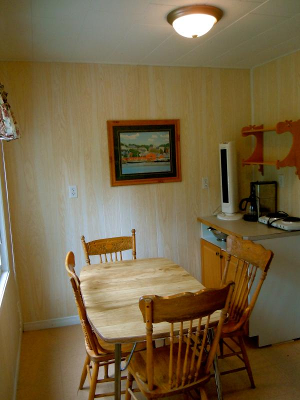 Cottage 4 - 1 bedroom with 2 queen sized beds, Kitchenette/eating area, deck and BBQ