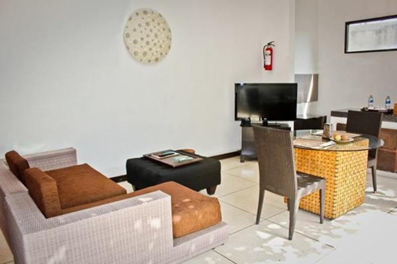 Super deluxe living room