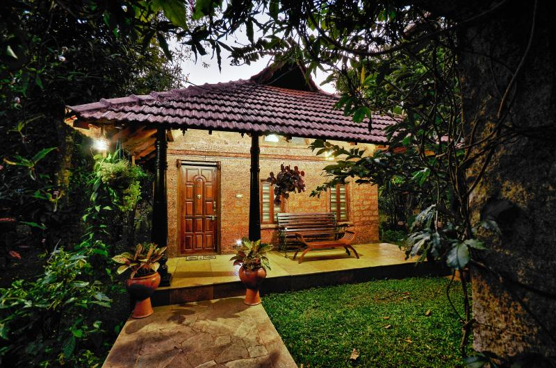 WILD WOODS SPA & RESORT, holiday rental in Paduvari