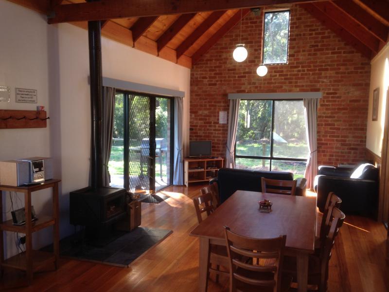 Cottage living/dining