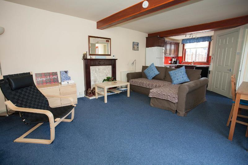 Sunny holiday house Edinburgh, vacation rental in South Queensferry