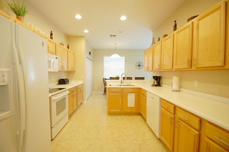 Fully fitted kitchen with all amenities