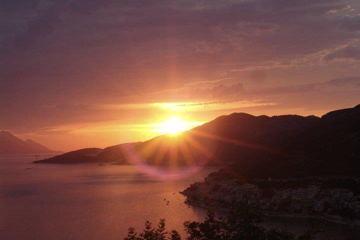 Apartmani Leona 2, from Dubrovnik 50 min., vacation rental in Neum