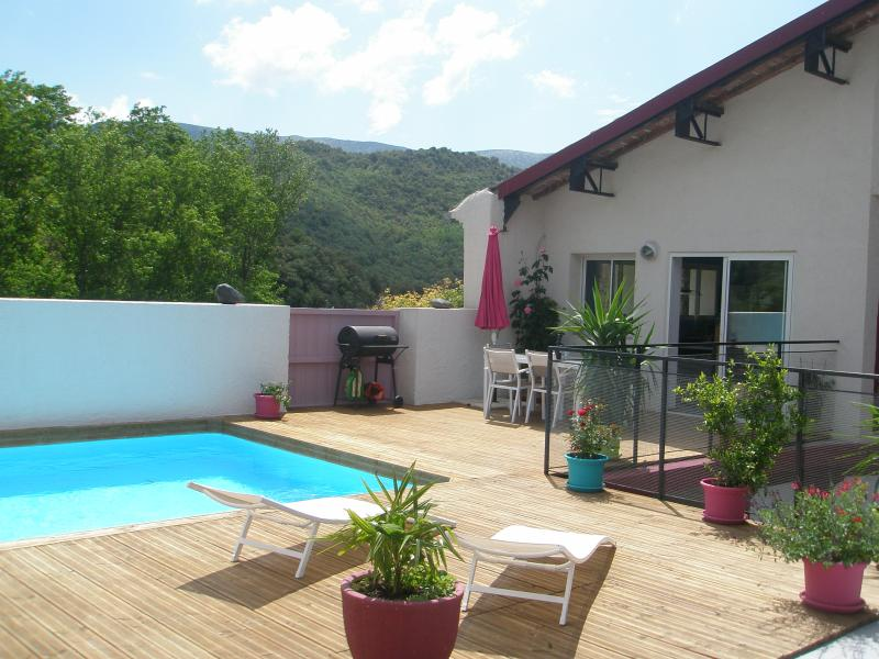 La Cave, holiday rental in Maisons