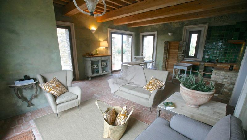 TUSCANY FOREVER RESIDENCE VILLA VIAGGIO/ 0, casa vacanza a Saline di Volterra