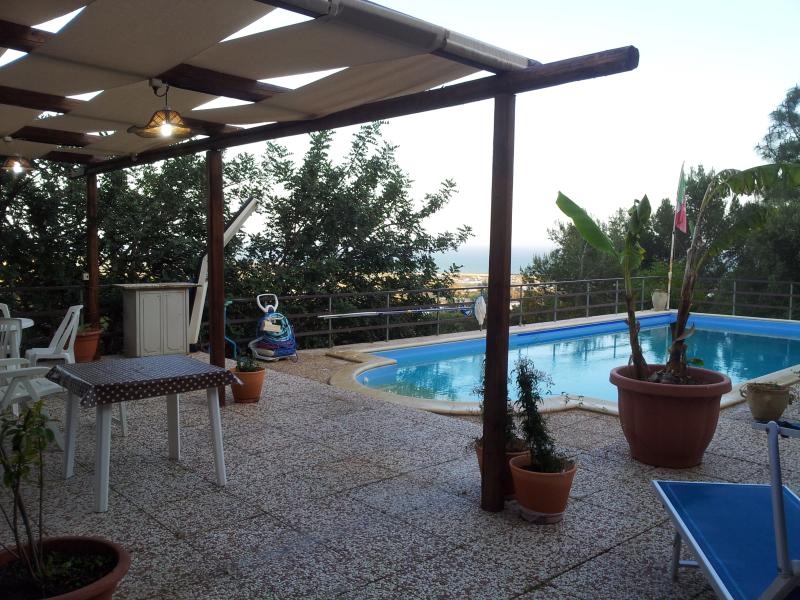 little corner of paradise with pool, holiday rental in Camemi