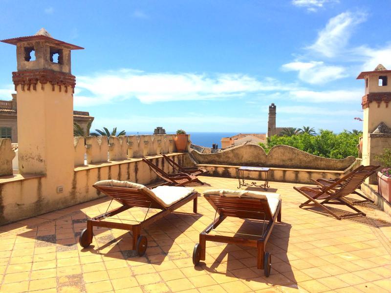 VILLA MIMOSA terrace and view