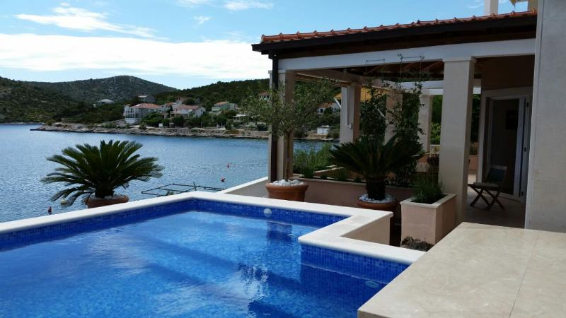Cute Apartment with Beautiful View, vacation rental in Vinisce