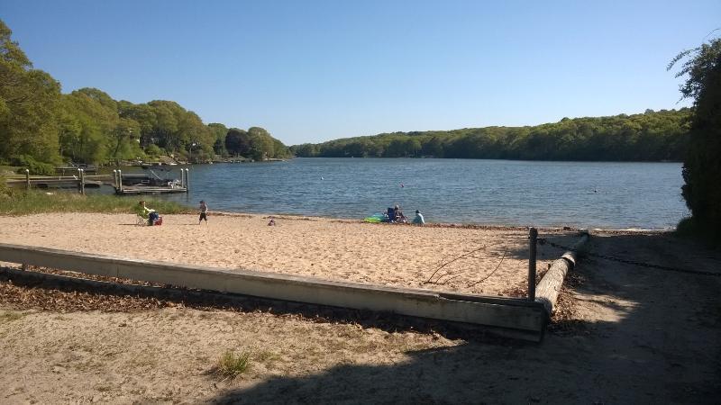 Neighborhood Beach with Boat Ramp.  3 Blocks away.