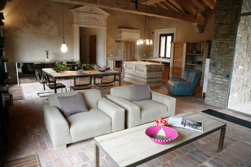 TUSCANY FOREVER VOLTERRA  VILLA V FIRST FLOOR APARTMENT  3 bedrooms /max 7 guests  !