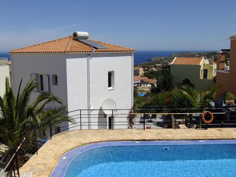 Plaka - Almyrida. Villa Katafigio, location de vacances à Plaka