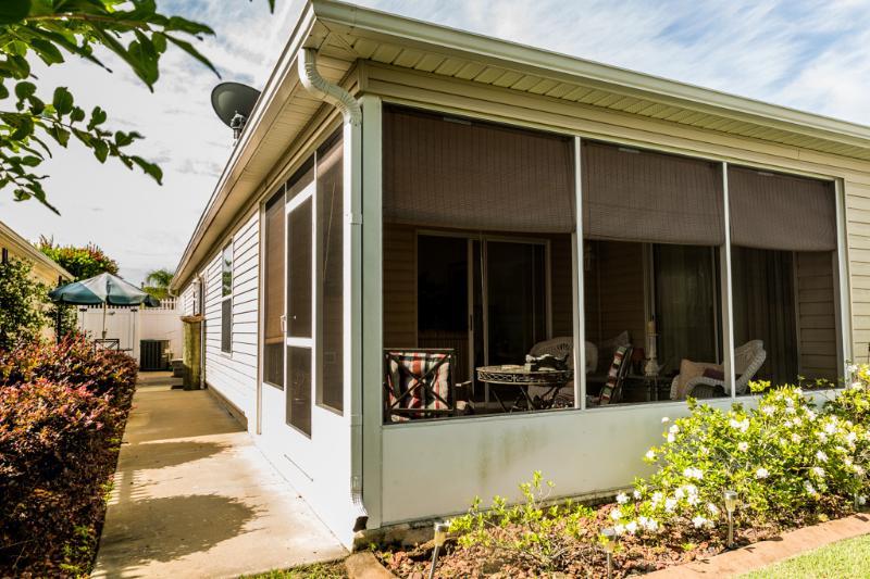 Courtyard Villa in The Villages, Florida Has Air ...
