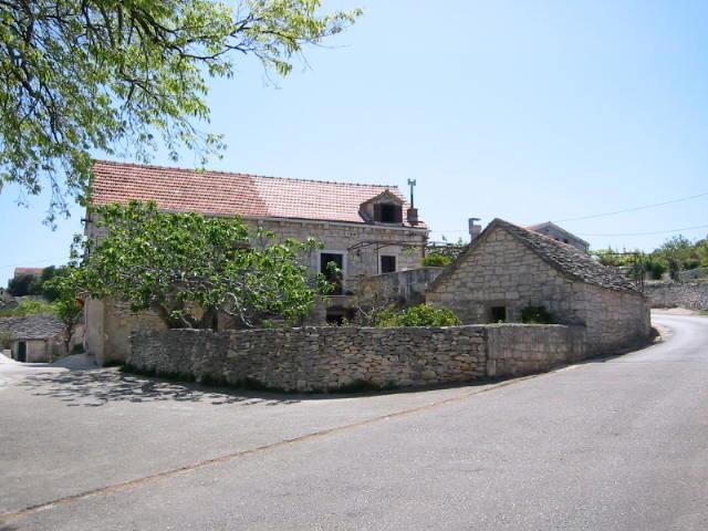 Dalmatian stone house on the island of Brač, holiday rental in Skrip