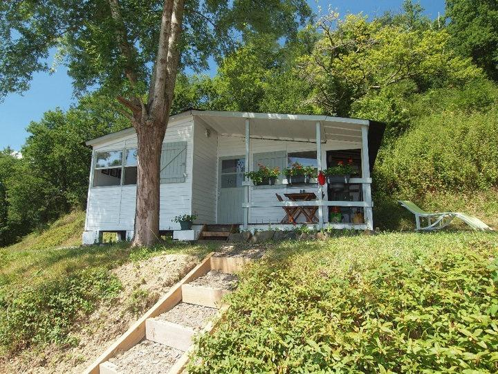 Riverside chalet with shared pool near Biarritz 4, aluguéis de temporada em Arraute-Charritte