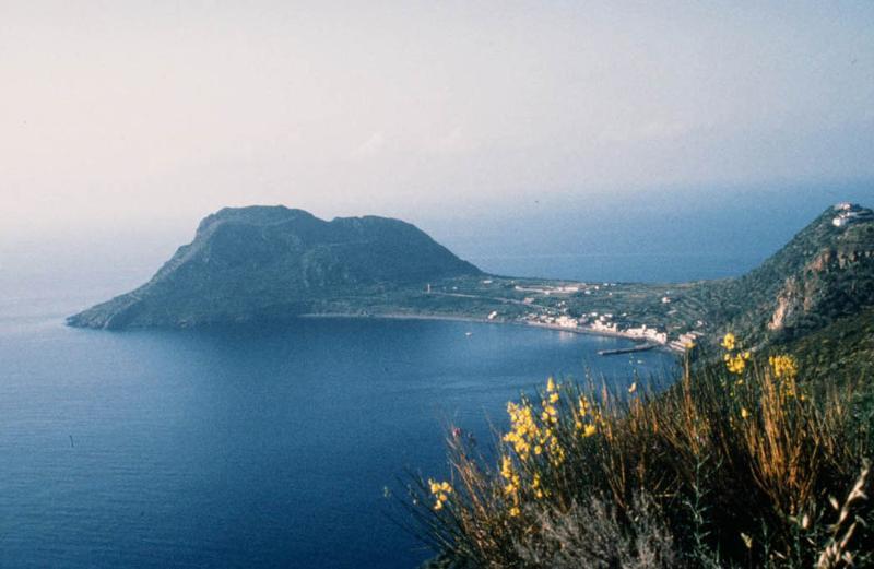 Filicudi Villa Montepalmieri, casa vacanza a Filicudi