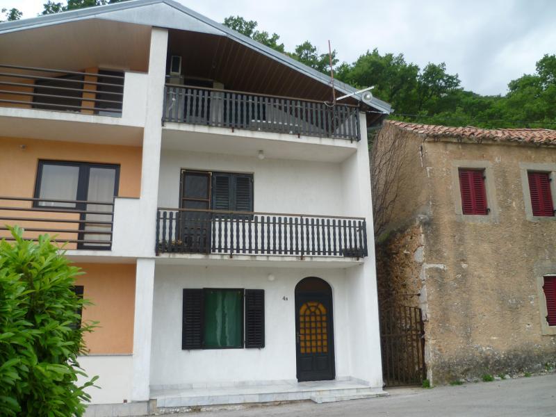 Number 4b Podugrinac, Nr. Selce, Croatia, aluguéis de temporada em Selce