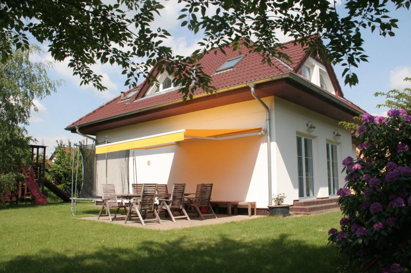 Prague Pruhonice Holiday Home, holiday rental in Prague