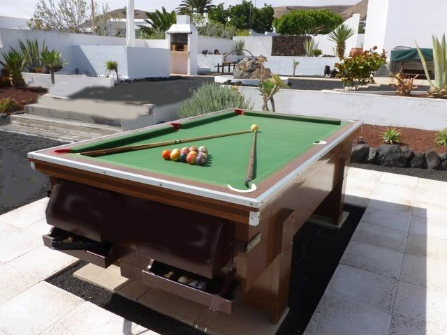 Pool table - ready to have some fun!