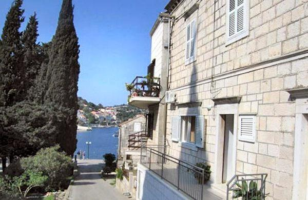 Apartment Mandica, holiday rental in Racisce