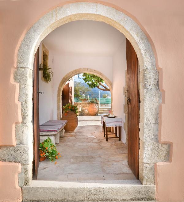 The entrance to Villa Rouga