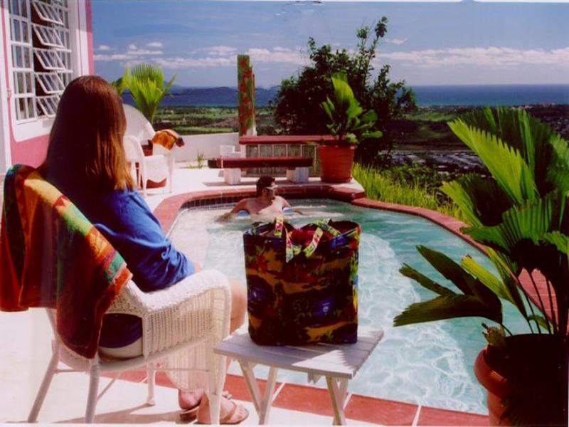 Enjoy our romantic cottage with 270 degree views of the Caribbean Sea!