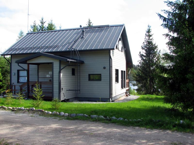 Findomik Cottages A8, vacation rental in Lievestuore