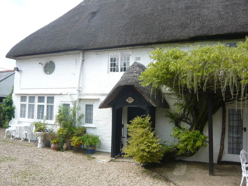 Little Thatch at Burgate Farmhouse