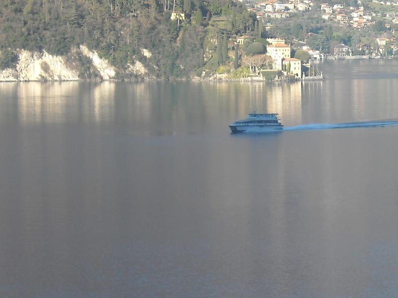 RIKTIGA Visa från egenskapen vid Comosjön