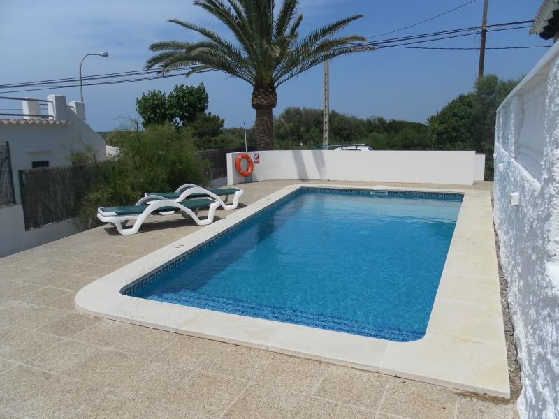 Easy access into the pool with Roman steps