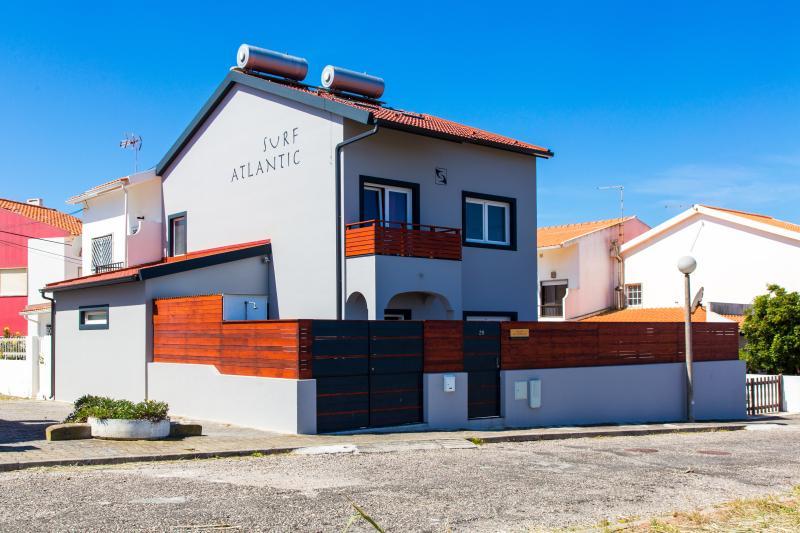 Surf-Atlantic top quality house, near the beach, free parking